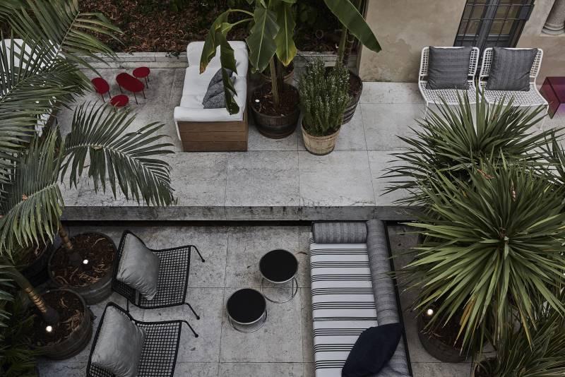 Elle decor grand hotel living divani for Hotel elle decor